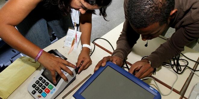 Instalación de máquinas de votación