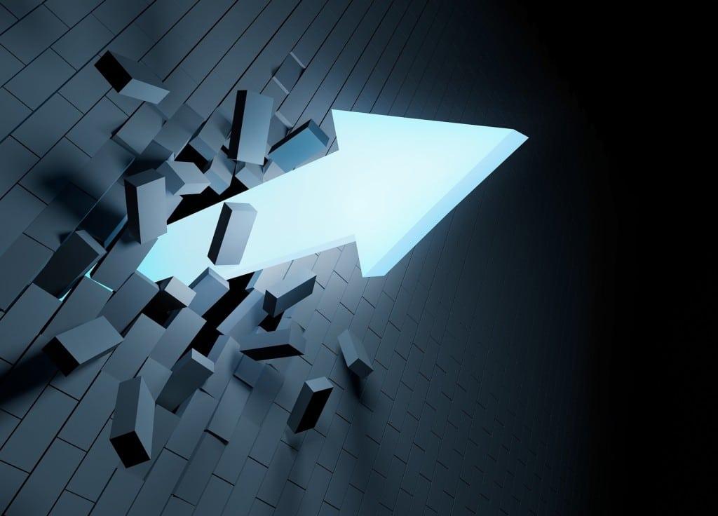 Breakthrough: literalmente, romper a través, irrumpir
