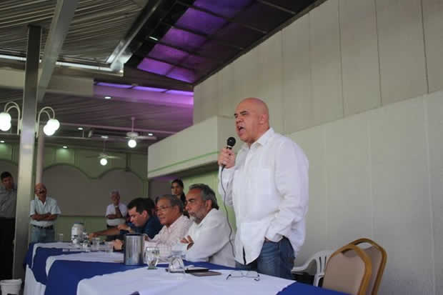 Torrealba certifica la Mesa de la Desunión Democrática