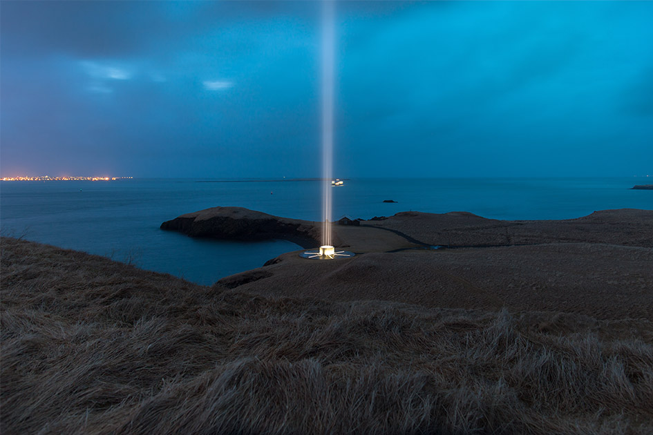 Imagine Peace Tower, torre de luz en Islandia en homenaje a John Lenonn