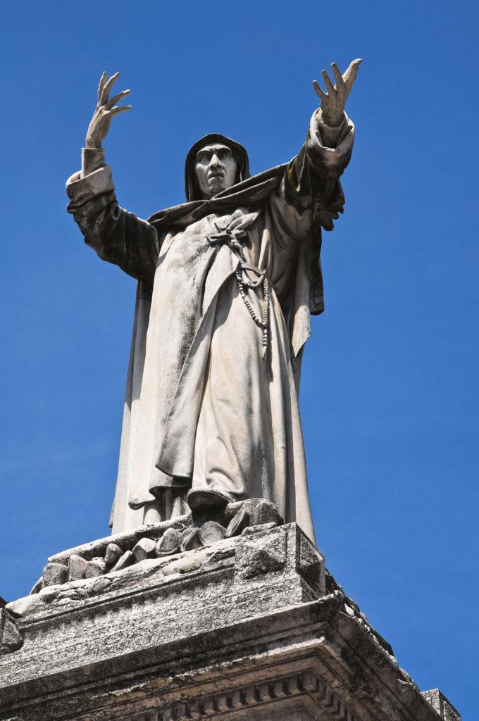 Estatua de Savonarola en Ferrara